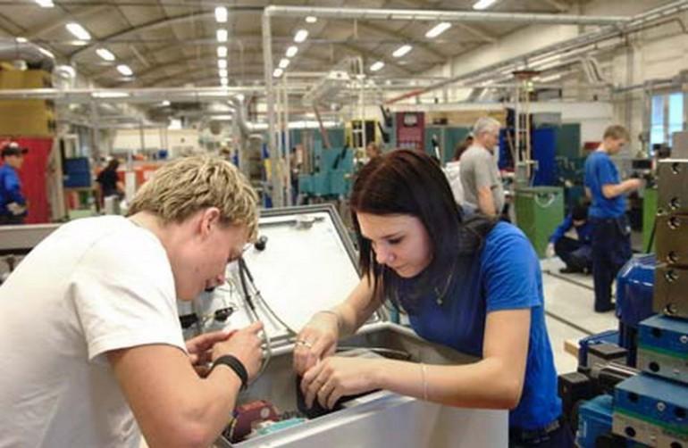 Marzo, occupazione boom nelle piccole e medie imprese: 3.245 assunzioni di cui 1.337 a tempo indeterminato. La Cna: effetto del Job Act