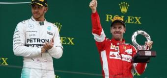 Gp Cina, la Mercedes si riprende il comando con Hamilton ma la Ferrari non cede: Vettel terzo sale sul podio
