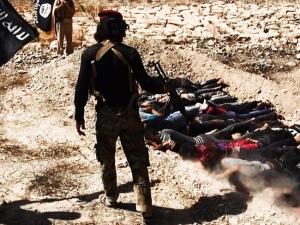 Iraq, trovate fosse comuni a Tikrit, ci sarebbero oltre 1700 corpi di persone giustiziate dall'Isis