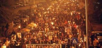 L'Aquila, la notte della memoria: migliaia sfilano a 6 anni dal terremoto ricordando le 309 vittime. Il sindaco: qui si vive ancora sospesi