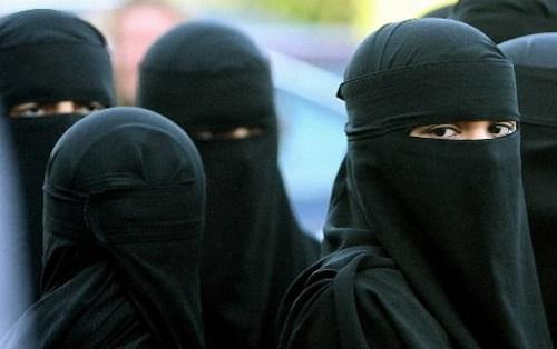 Jihad violenze e orrori: ragazza di 20 anni bruciata viva perché si rifiuta di fare sesso con miliziani dell'Is