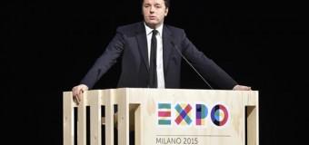 """Expo al via, lunghe file ai metal detector. Attacco web di Anonymous. Renzi: """"Ce l'abbiamo fatta nonostante i professionisti del no"""". L'augurio del Papa"""
