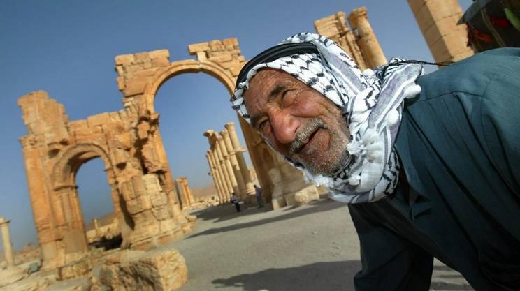 """Palmira e' salva, respinti i miliziani dell'Isis. Il direttore dei musei: """"Nessun danno"""". Usa confermano: eliminato il numero due del gruppo terrorista"""