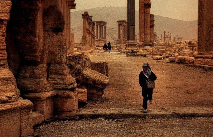 Palmira nelle mani dell'Isis, giustiziati e decapitati i miliziani siriani in fuga. Si teme per i siti archeologici. Damasco sempre più vicina