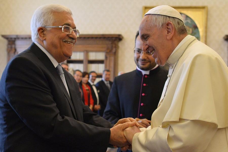 """Papa Francesco ad Abu Mazen: """"Sei un angelo della Pace"""" e sul rapporto Palestina – Israele lo invita a prendere """"decisioni coraggiose"""""""