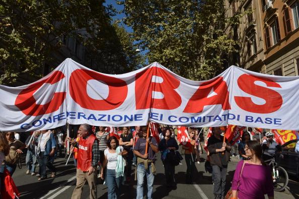 """I Cobas sfidano Renzi: """"Blocco degli scrutini e di tutte le attività scolastiche per due giorni consecutivi"""". Il Garante: """"Illegittimo e dannoso"""""""