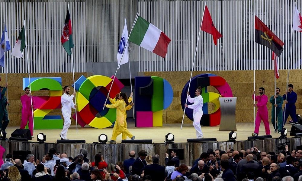 """Al via Expo2015, Renzi: """"L'Italia s'è desta, abbiamo sei mesi per vincere la sfida"""". Anonymous attacca il sito di vendita dei biglietti"""