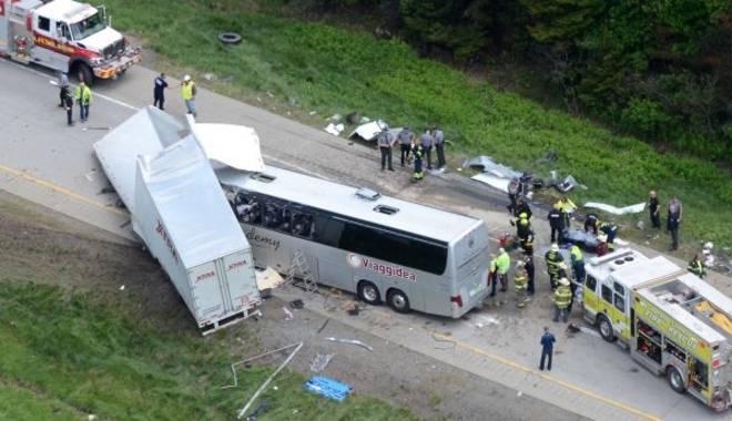 Usa, autobus con turisiti italiani diretto alle Cascate del Niagara si scontra con un Tir. Tre i morti accertati tra cui il conducente e una decina di feriti