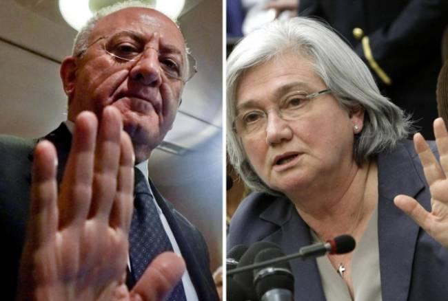 """De Luca, appena eletto governatore della Campania, denuncia Rosy Bindi per diffamazione. La presidente dell'Antimafia: """"Non ha fondamento, un atto solo strumentale"""""""