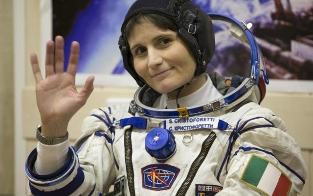 """Missione """"Futura"""", Samantha in viaggio verso la terra: """"Per l'ultima volta buonanotte dallo spazio"""""""