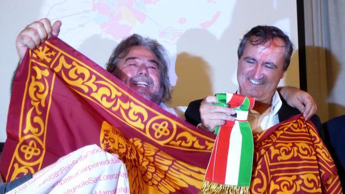 """Elezioni, sconfitta bruciante per il Pd. Perse Venezia e Arezzo, storiche piazze """"rosse"""". Cacciari: """"Casson candidato sbagliato"""". Bene i 5 Stelle"""