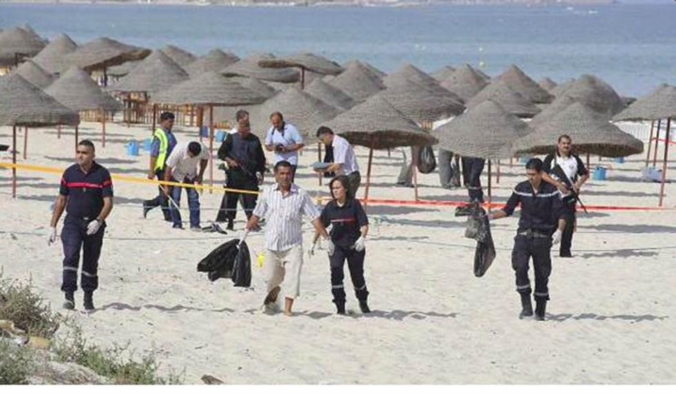 Tunisia nel terrore, attaccati due villaggi turistici a Susa: 27 morti tra i turisti. Ucciso l'attentatore catturato l'altro.
