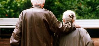 Pensioni,via libera ai rimborsi: ad agosto 800 euro per gli assegni da 1.500 euro lordi al mese. Dal 2016 aumento di 42 euro mensili