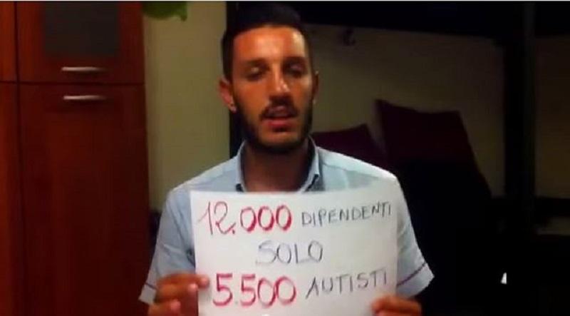 """Atac e disservizi, l'autista Christian Rosso denuncia il caos dei bus a Roma e la societa' lo sospende. L'assessore Esposito: """"Provvedimento sbagliato"""""""