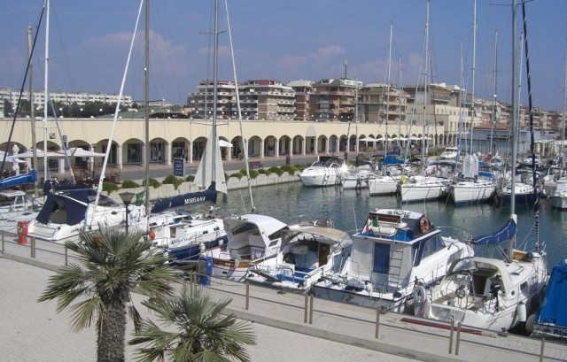 Ostia, sequestrato il Porto. Manette al presidente Balini e tre soci. Sigilli a barche e strutture. I giudici: organizzazione criminale