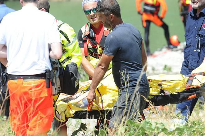 Tragedia a Sassuolo, due sorelle di 8 e 18 anni muoiono annegate, una terza di 22 anni in rianimazione. Hanno tentato di aiutarsi a vicenda