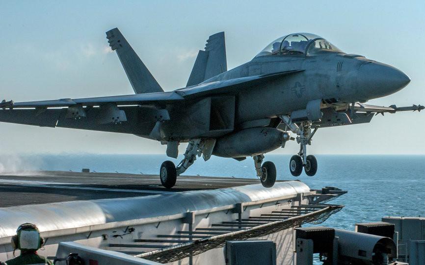 Siria, si intensifica l'azione di Putin: aerei russi bombardano centro di comando dell'Isis nella provincia di Aleppo