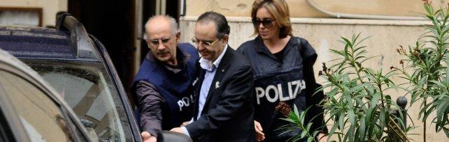 Arresti eccellenti, manette a Lo Bosco il signore dei Trasporti palermitani per tangenti sugli appalti. In carcere anche due funzionari della Forestale