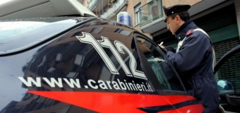 Orrore a Napoli, algerino picchia e tortura la moglie e figlio con scariche elettriche. Arrestato. La famiglia portata in una struttura protetta