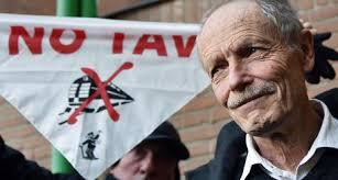 """Alta velocita', Erri De Luca assolto dall'accusa di istigazione a delinquere. Lo scrittore: """"Confermo la mia convinzione l'alta velocità' fa sabotata"""""""
