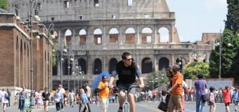 L'ultima sfida di Marino dimissionario: i Fori Imperiali liberi anche da taxi e autobus