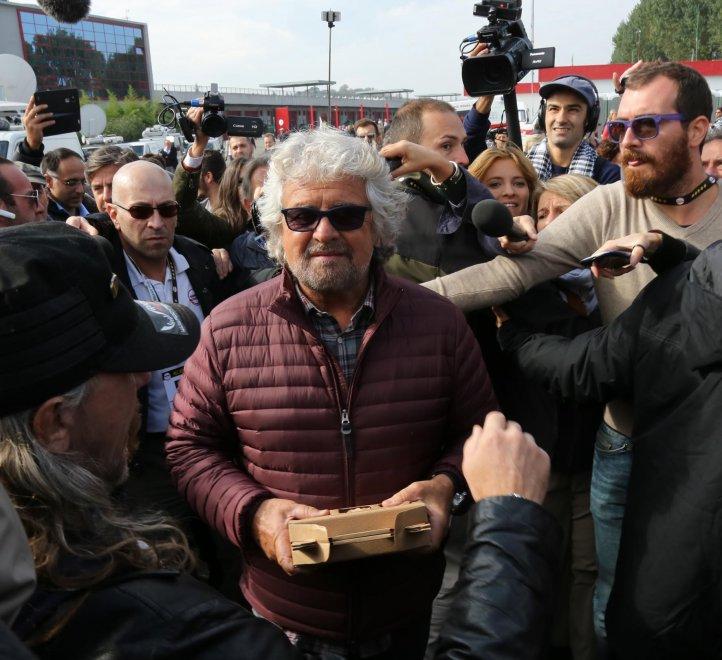 """Kermesse grillina a Imola, Casaleggio: """"Siamo pronti a governare"""" Grillo frena Di Maio"""