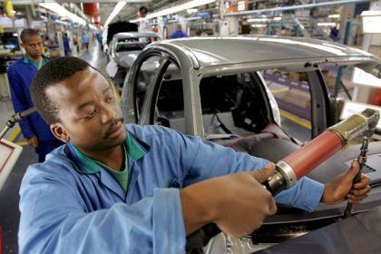 Lavoro degli stranieri, vale 10 miliardi. In Italia 620 mila italiani devono ringraziare gli immigrati, sono loro a pagargli la pensione