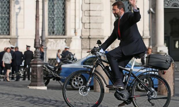L'addio del Marziano: due anni e mezzo vissuti pericolosamente tra gaffe e ambiziose sfide in una città divenuta Mafia Capitale