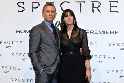 Daniel Craig e Monica Bellucci a Roma per il lancio di Spectre. La saga su 007 lungo le sponde del Tevere