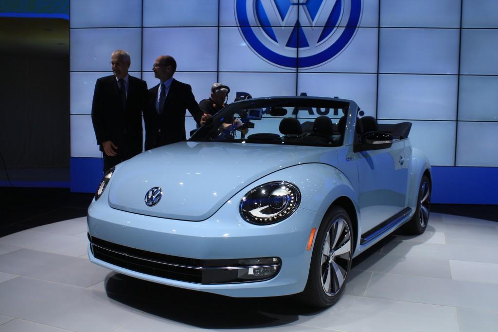 Volkswagen, guai senza fine: grandi azionisti fanno causa all'azienda per 40 mld dopo che il titolo ha perso 25 mld di valore in Borsa