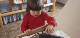 America armata, in Georgia bambino di 2 anni trova la pistola del padre sul letto e si spara. Morto sul colpo