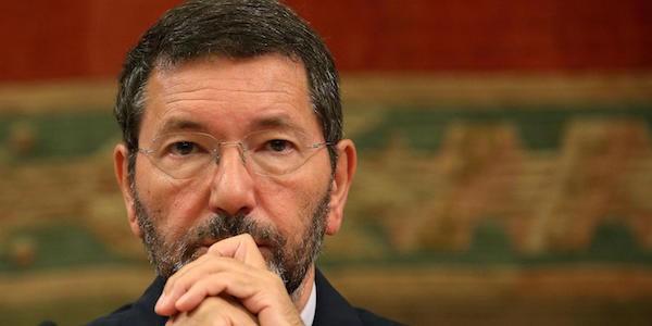 """Marino contro Renzi e il Pd: """"Sono stato accoltellato, un unico mandante"""", il premier: """"Nessuna congiura, ha perso il contatto con la sua citta'"""