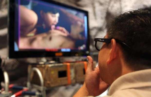 """Cassazione: """"Lecito vedere film porno in ufficio se in pausa mensa"""". Il caso dopo il licenziamento di un operaio Fiat a Termini Imerese"""