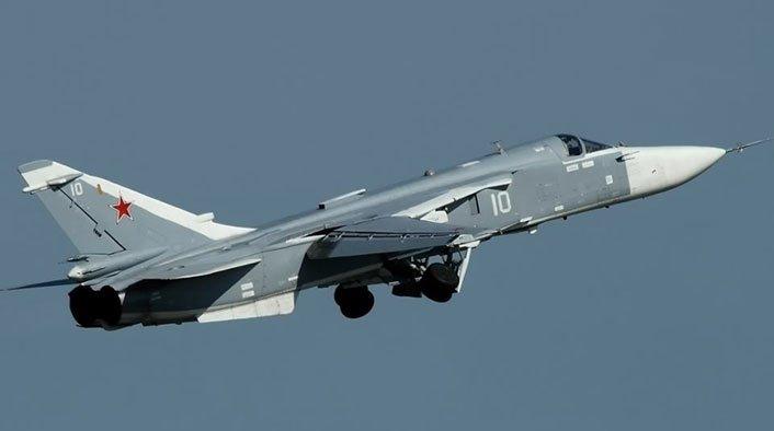 """Caccia russo abbattuto dai turchi al confine con la Siria. Catturato dai ribelli siriani uno dei due piloti. La rabbia di Putin: """"Una pugnalata alle spalle"""""""
