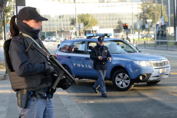 Schengen addio, si torna ai controlli alle frontiere per europei e non. Nuove misure sull'accesso alle banche dati