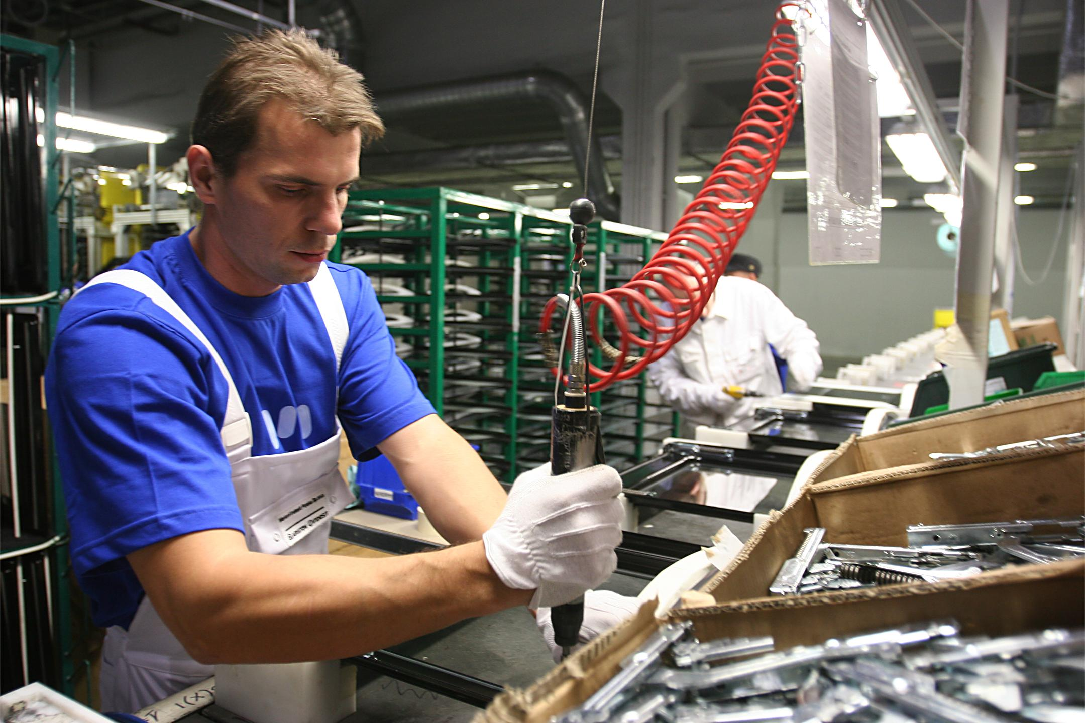 Lavoro, cresce l'occupazione stabile: in nove mesi 371,347 nuovi posti a tempo indeterminato. L'effetto decontribuzione