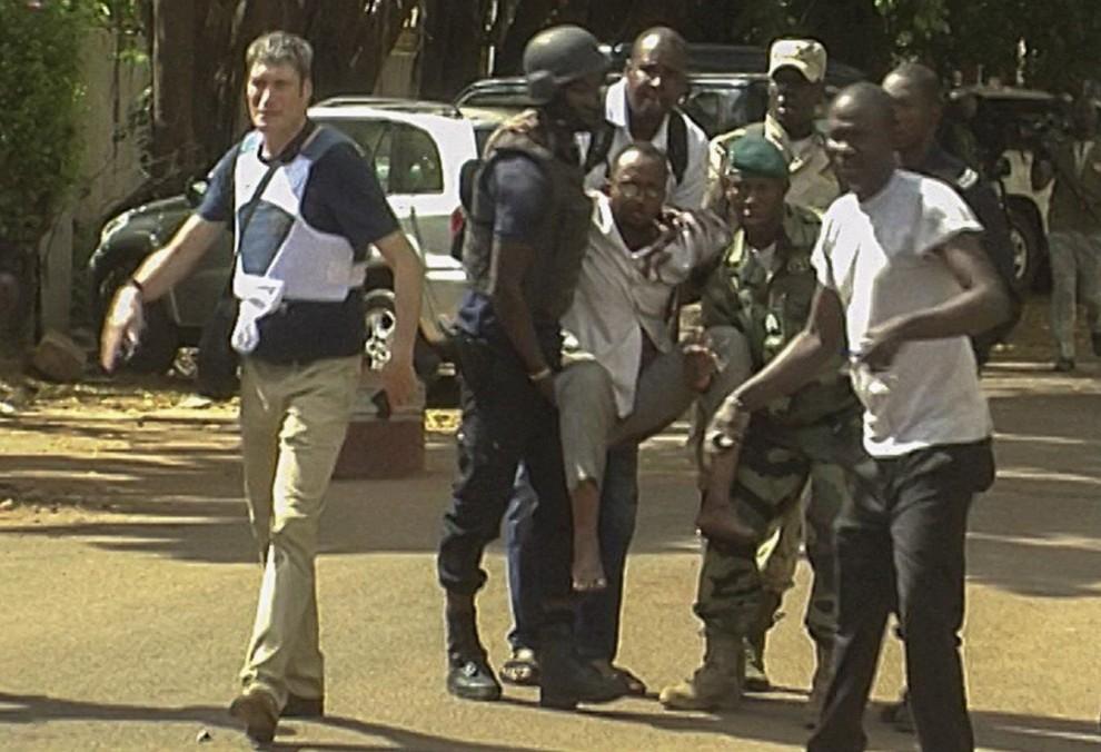 Mali, l'attacco jihadista nell'hotel dei turisti lascia 27 cadaveri. Liberati tutti gli ostaggi, ucciso chi non conosceva il Corano