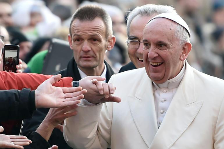 """Papa Francesco a Prato: """"Combattere fino in fondo il cancro della corruzione e il veleno della illegalita'"""