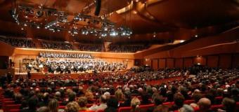 Auditorium, sul podio il direttore russo Petrenko. Debutto del giovane talento cinese: il violinista Ray Chen