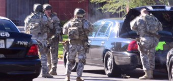 California, commando armato assalta centro sociale: 14 morti,17 feriti. Ucciso uno dei killer, caccia ad altri due