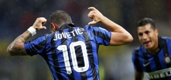 Tim Cup, l'Inter batte il Napoli (2-0) e passa alle semifinali. Decisive le reti di Jovetic e Ljajic. Oggi il confronto Lazio e Juventus
