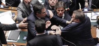 Unioni civili, bagarre al Senato: slitta l'esame del Ddl Cirinna' a dopo l'approvazione del Milleproroghe. Scoppia il caos tra 5 stelle e Pd