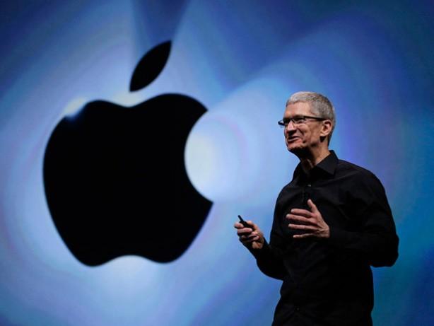 """Tim Cook dice no al giudice federale: Apple non decrittera' l'IPhone del killer di San Bernardino: """"Un precedente troppo pericoloso"""""""