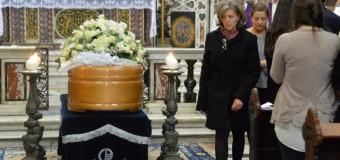 Tragedia spagnola, a Roma l'addio a Elisa uno delle cinque ragazze italiane morte nel terribile rovesciamento dell'autobus