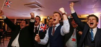 """La Gran Bretagna fuori dalla Ue, Brexit si afferma col 52% e crollano i mercati mondiali. Cameron si dimette: """"Al Paese serve un nuovo leader"""""""