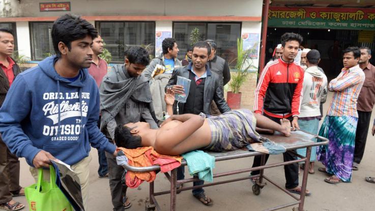 Terrorismo a Dacca, 9 le vittime italiane, 20 uccisi. Torturato chi non conosceva il Corano. Aggrediti a colpi di machete.
