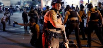 Dallas, esplode la protesta contro le violenze della polizia: uccisi 5 agenti e 7 feriti. Cecchini sparano sulla polizia