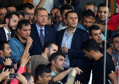 """I tanti dubbi sul golpe: una drammatica """"sceneggiata"""" per rafforzare il potere del presidente"""
