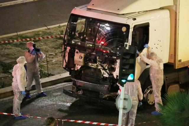 """Attacchi e stragi, investigatori concordi: """"lupi solitari"""" in azione non necessariamente collegati militarmente all'Isis"""